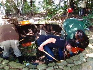 2015年5月30日越木岩神社禊カフェ男性は池の掃除